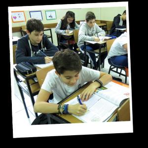 Alunos Ensino Fundamental II Colégio Madre Paula Montalt
